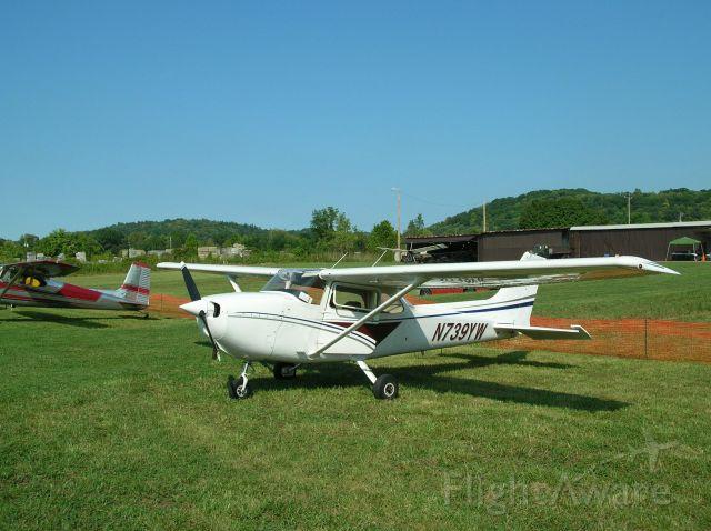 Cessna Skyhawk (N739YW)