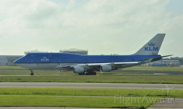 Boeing 747-400 (PH-BFU) - KLM Boeing 747-406(M) PH-BFU in Amsterdam