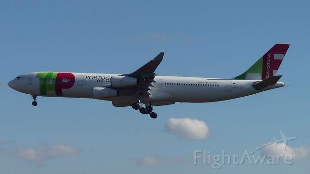 Airbus A340-300 (CS-TOA)