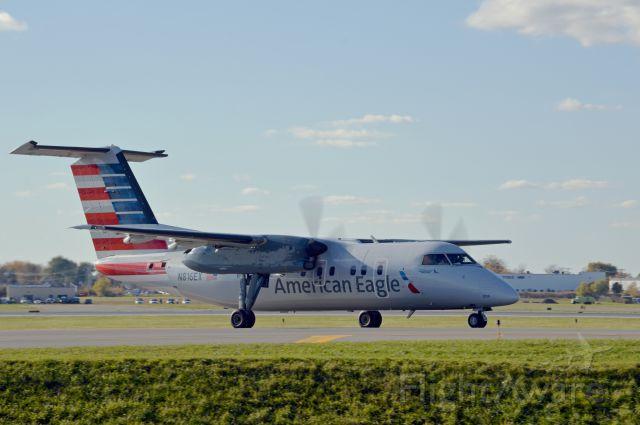 de Havilland Dash 8-200 (N816EX)
