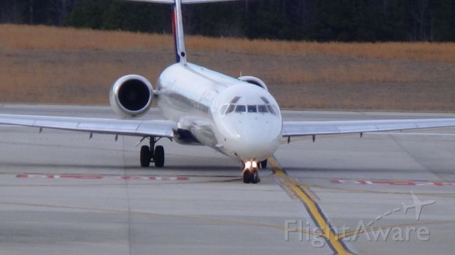 McDonnell Douglas MD-88 (N953DL) - Arriving from Atlant to RDU runway 5L.