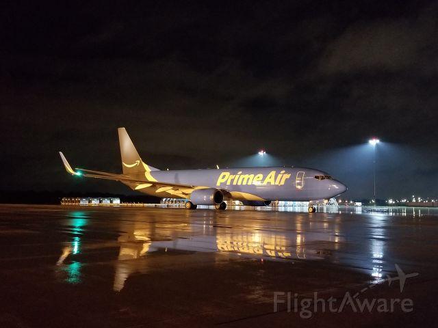 Boeing 737-800 (N5147A)