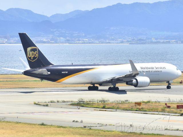 BOEING 767-300 (N357UP)