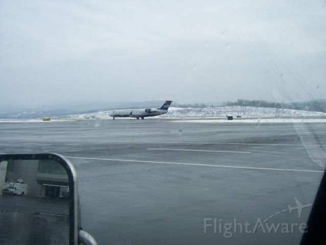 Canadair Regional Jet CRJ-200 — - AWI 3922 1/1/10 arrival from PHL taxing to gate