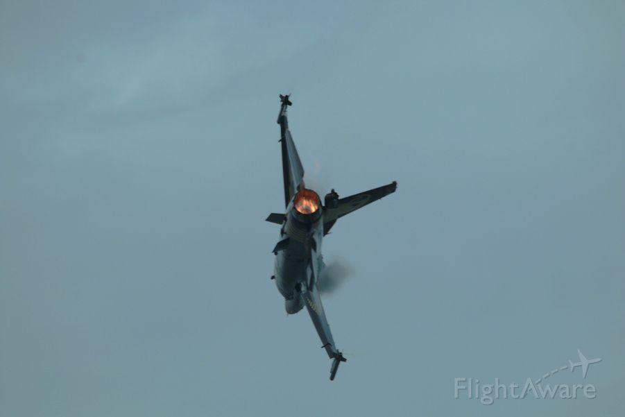 Lockheed F-16 Fighting Falcon — - 132 ND SQUADRON TEAMS, DEMO TEAM SOLOTURK. TURKISH AIR BASE