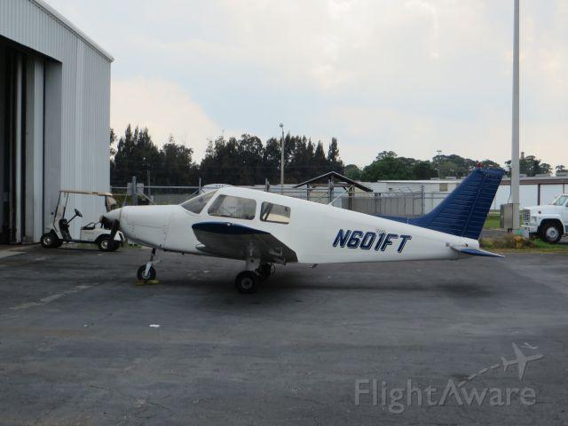 Piper Cherokee (N601FT)