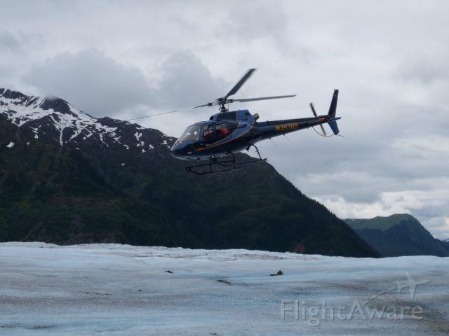 Eurocopter AS-350 AStar (N393NS) - Landing on Mendenhall Glacier