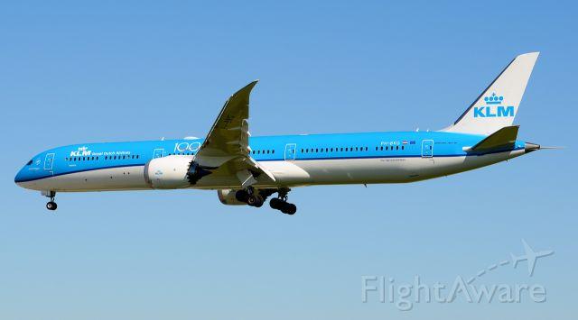 BOEING 787-10 Dreamliner (PH-BKG)