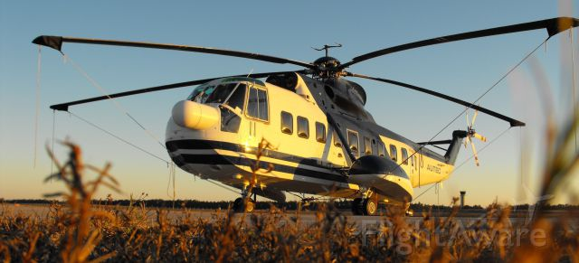 Sikorsky Sea King (N138AR) - Sikorsky S61N stopping by for the night.