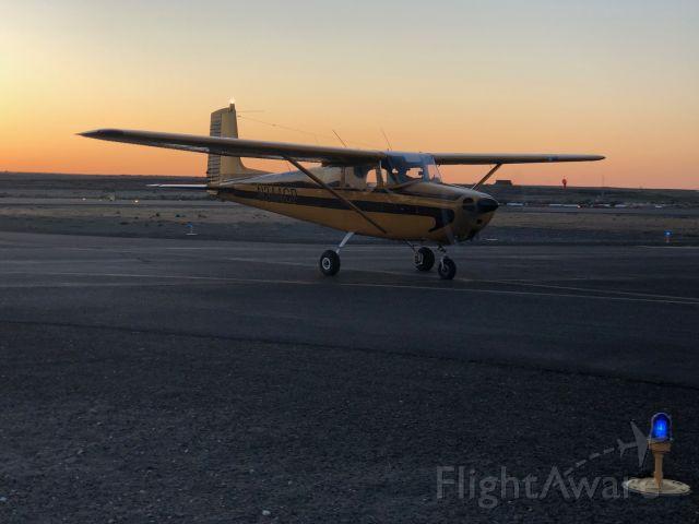 Cessna Skyhawk (N4CP) - Friends straight tail 172.