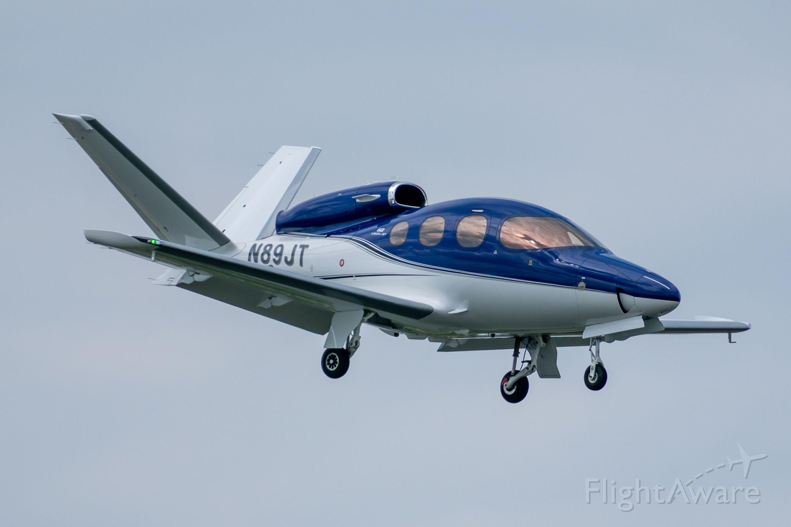 Cirrus Vision SF50 (N89JT) - Landing 13R at Love Field, August 4th, 2019.