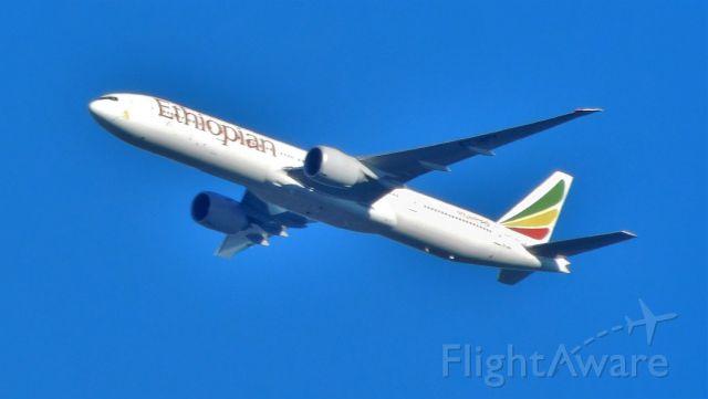 Boeing 777-200 (ET-APY)