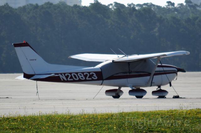 Cessna Skyhawk (N20823)
