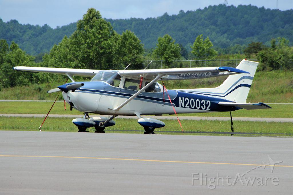 N20032 — - Logan County Airport. Logan, WV