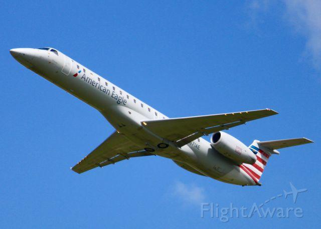 Embraer ERJ-145 (N671AE) -  At Shreveport Regional.
