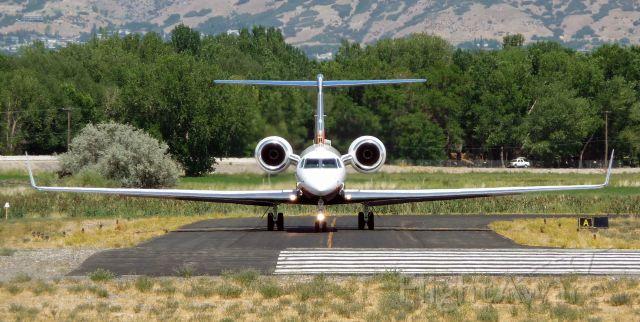 Gulfstream Aerospace Gulfstream V (N528AP) - N528AP just before turning onto runway 13 at KPVU for departure. August 9, 2008