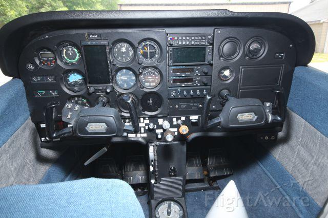 Cessna Skyhawk (N70196) - South Shore Flying Club