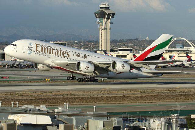 Airbus A380-800 (A6-EEU)
