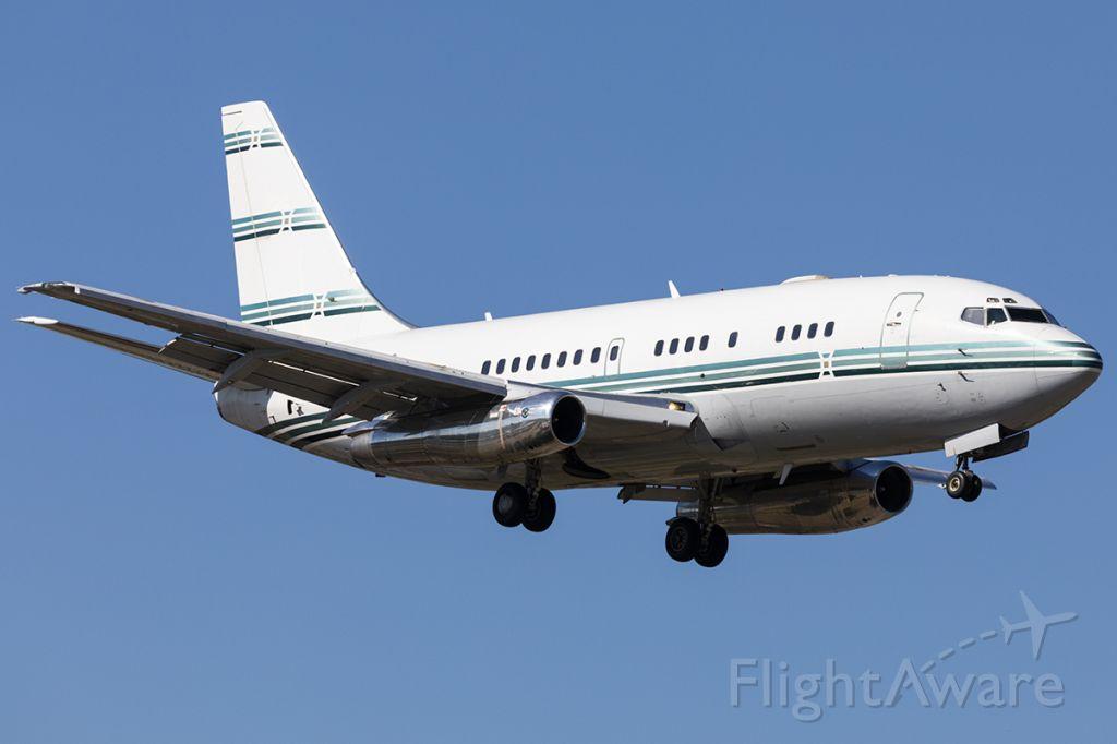 Boeing 737-200 (N370BC)
