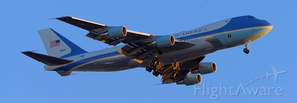 Boeing 747-200 (82-8000) - phoenix sky harbor international airport 19FEB20