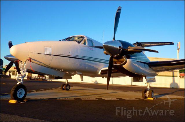 Beechcraft Super King Air 200 — - Them props..