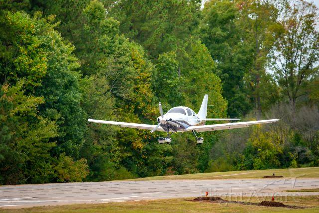 Cessna 350 (N694CL)