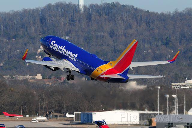 Boeing 737-700 (N7706A) - Headed to warmer Orlando