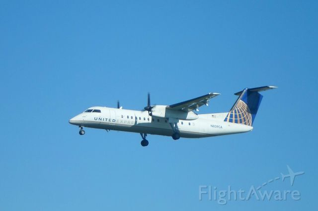 de Havilland Dash 8-300 (N839CA) - A United Express (Commutair) Dash 8 arrives at Albany International Airport on Runway 1.