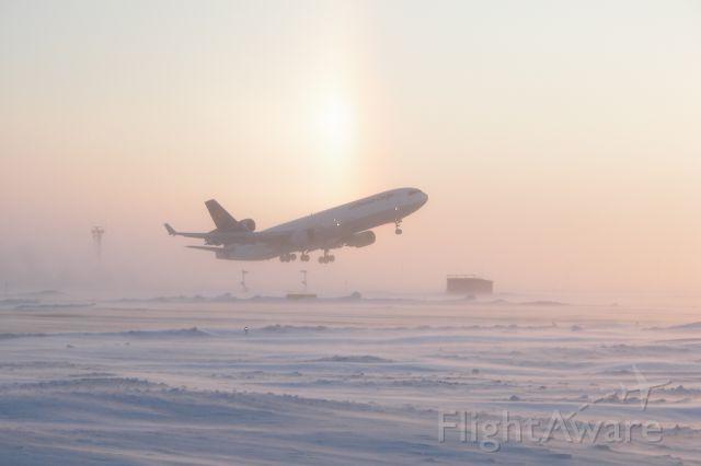 Boeing MD-11 (D-ALCN) - Take Off -36Deg Celsius