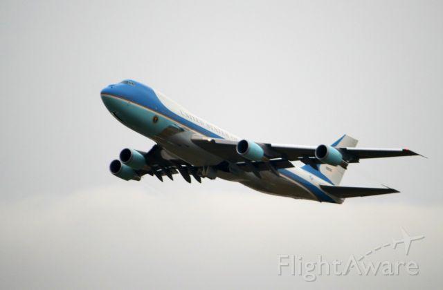 N28000 — - Air Force One departs KDTW