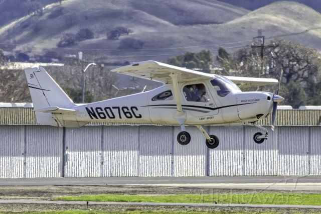 Cessna Skycatcher (N6076C) - Cessna 162 at Livermore Municipal Airport. February 2021.