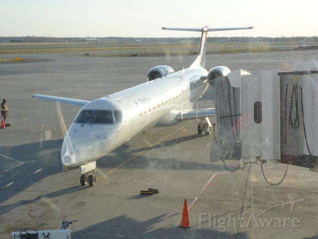 Embraer ERJ-145 (N829MJ)