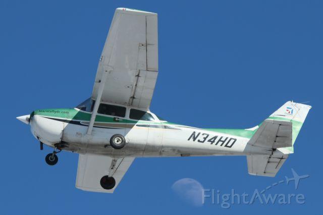 Cessna Skyhawk (N34HD)