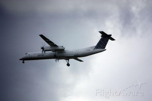 de Havilland Dash 8-400 (C-GLQP) - On final for Rwy 19C at KIAD