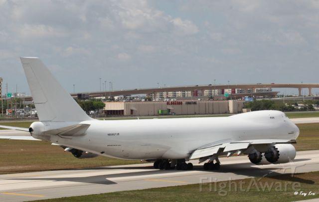 BOEING 747-8 (N859GT) - On it