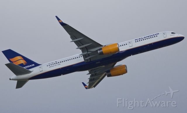 """Boeing 757-200 (TF-ISL) - Departing DFWs 17R for Reykjavik (please view in """"full"""" for highest image quality)"""