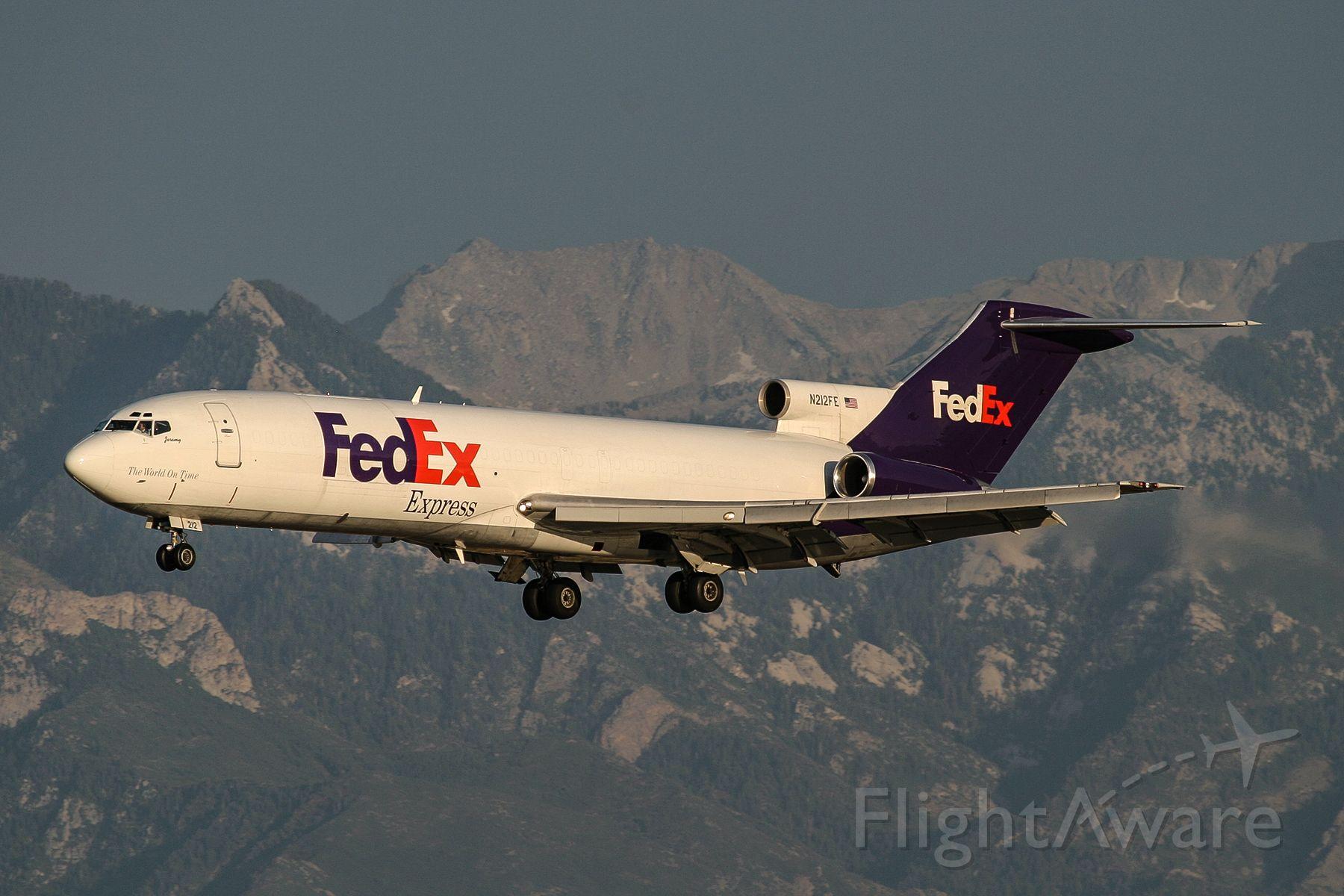 BOEING 727-200 (N212FE)