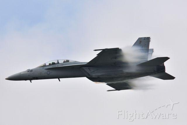 16-5887 — - 2014 NAS Oceana Air Showbr /F-18F Tactical Demo