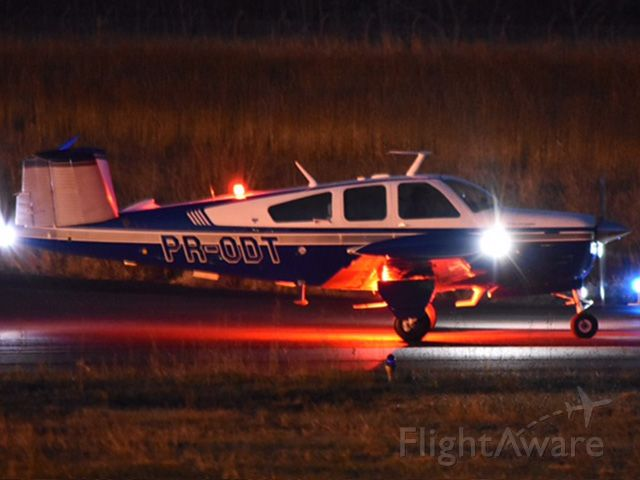 Beechcraft 35 Bonanza (PR-ODT) - Night Takeoff from SBML to SBDN