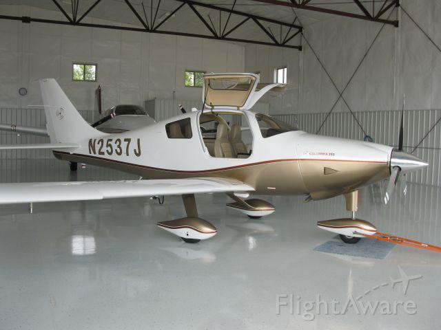 Cessna 350 (N2537J)
