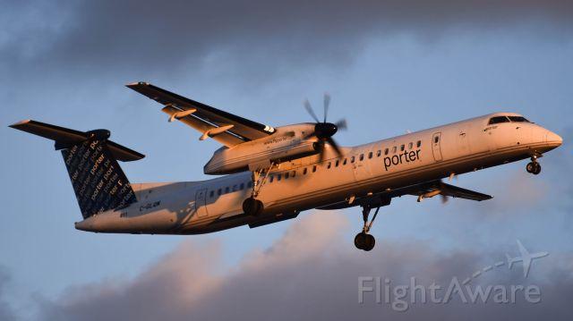 de Havilland Dash 8-400 (C-GLQM)