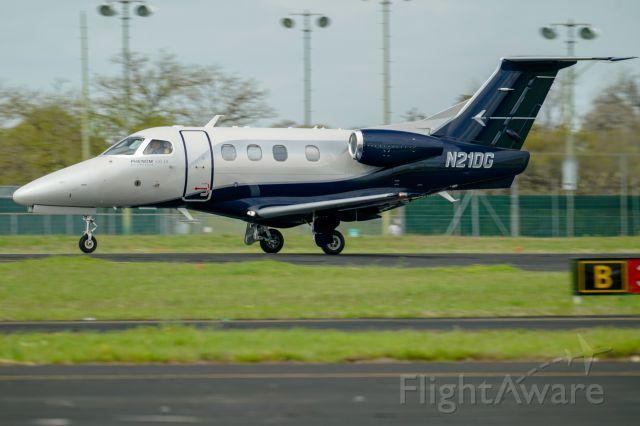 Embraer Phenom 100 (N21DG) - V2