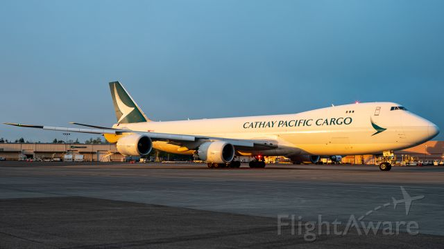 BOEING 747-8 (B-LJE) - Gotta love it when the morning fog clears right at first light.