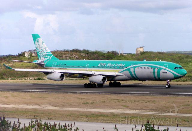Airbus A340-300 (9Y-TJN)