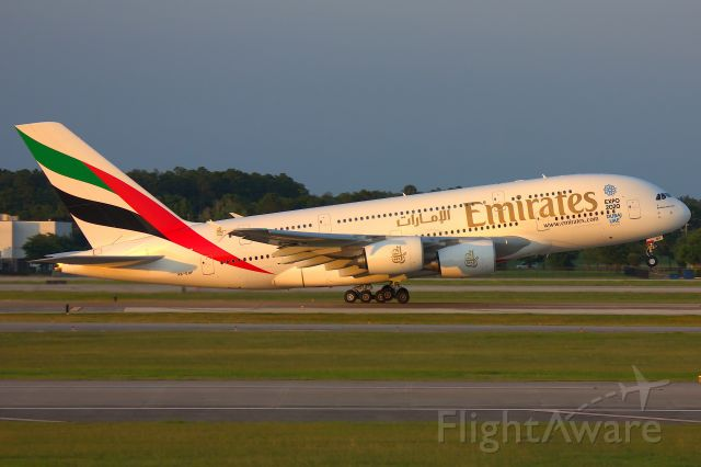 Airbus A380-800 (A6-EOF)