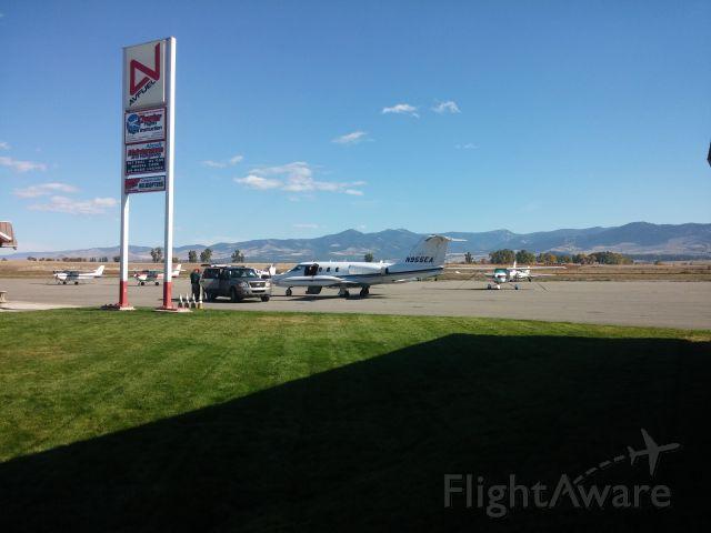 Learjet 24 (N955EA)