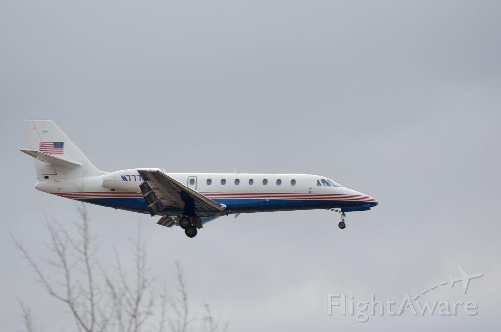 Cessna Citation Sovereign (N7777B) - Final approach runway 34