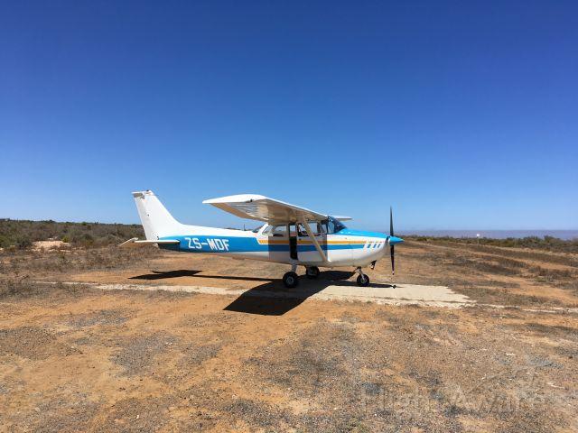 Cessna Skyhawk (ZS-MDF) - Lambert's Bay aerodrome, Cape of Good Hope
