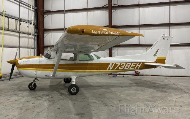 Cessna Skyhawk (N738EH)
