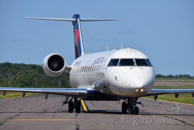Canadair Regional Jet CRJ-200 (N913EV)